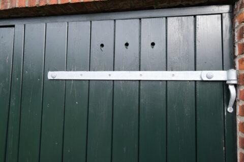 : Ny dobbelt garageport og havedør